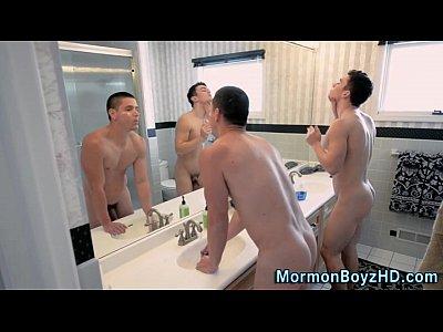 Sexo porno gay com irmão safados