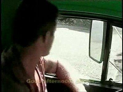 Vídeos gay grátis com caminhoneiro transando com amigo gay