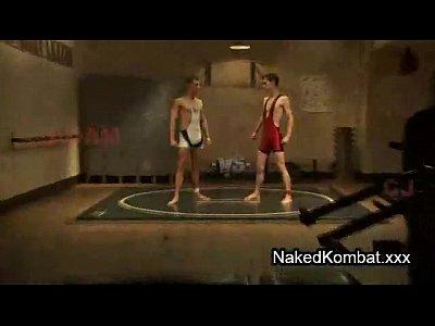 Vídeo safados lutadores transando na arena