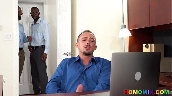 Atores porno homem passivo ganhando pau no seu rabo