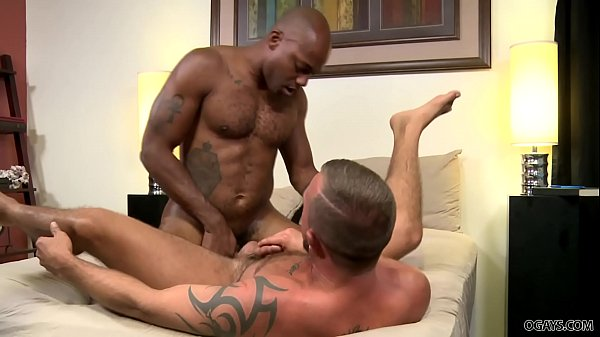 Negros dotados gay transando gostoso