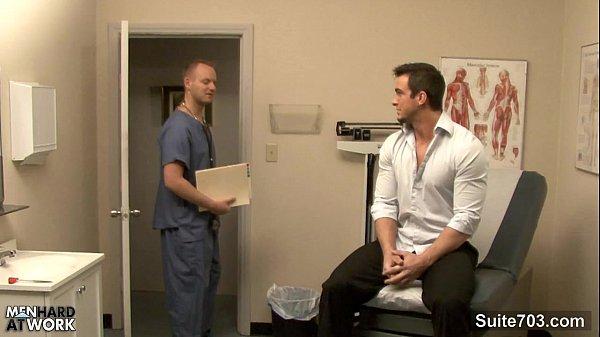 Porra quente gay safado transando com o medico