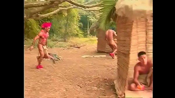 Sexo gay com novinhos brasileiros transando com índios
