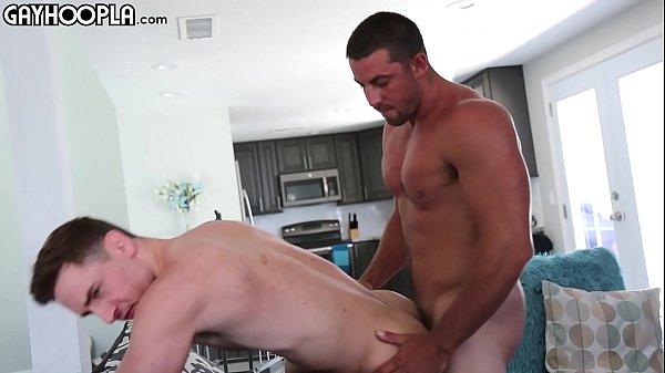 Sexo gay divertido tarado fodendo gostoso de quatro