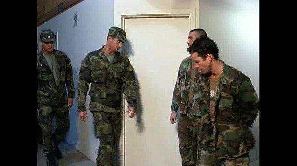 Vidio gay macho soldados trepando demais