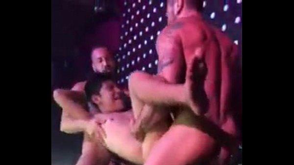 Bideo de sexo trio de machos transando gostoso