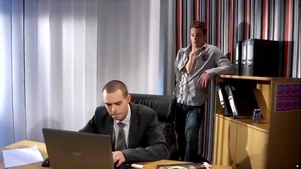 Boy fudendo no escritorio