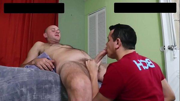 Sacudo gay metendo com o safado